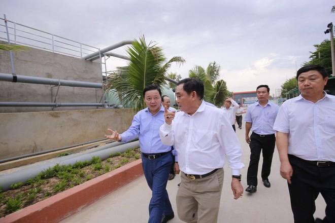 Ông Dũng lò vôi uống nước thải đã xử lý trước mặt Bộ trưởng TN-MT - Ảnh 5.