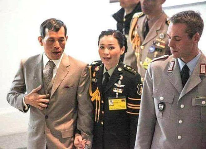 Ảnh: Vẻ đẹp của nữ tướng vừa được sắc phong làm Hoàng hậu Thái Lan - Ảnh 8.