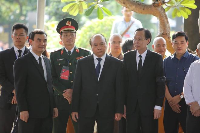Lễ an táng cố Chủ tịch nước Lê Đức Anh ở TP Hồ Chí Minh - Ảnh 25.