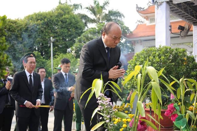 Lễ an táng cố Chủ tịch nước Lê Đức Anh ở TP Hồ Chí Minh - Ảnh 27.
