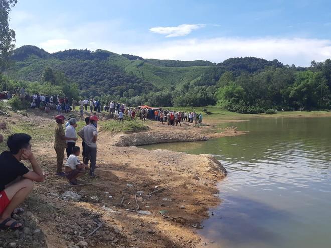Vụ 5 học sinh bị đuối nước: Lời kể xót xa của nữ sinh duy nhất được cứu sống - Ảnh 1.