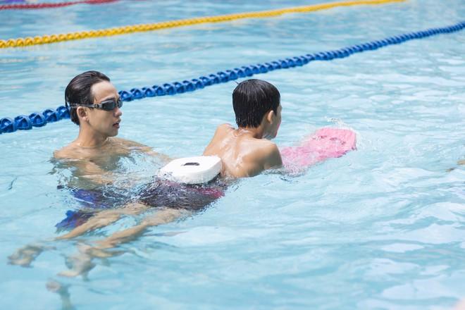 MC Quang Bảo bơi 100km để gây quỹ từ thiện - Ảnh 9.