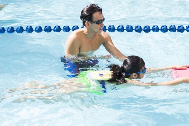 MC Quang Bảo bơi 100km để gây quỹ từ thiện - Ảnh 8.