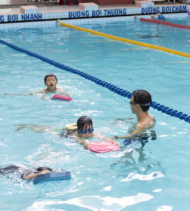 MC Quang Bảo bơi 100km để gây quỹ từ thiện - Ảnh 11.