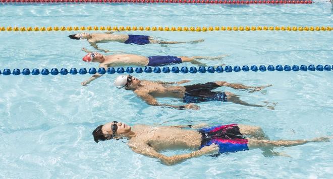 MC Quang Bảo bơi 100km để gây quỹ từ thiện - Ảnh 6.