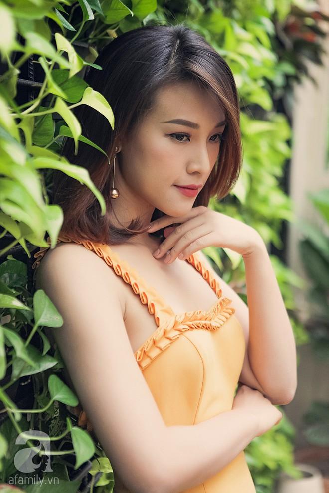 Hoàng Oanh: Là bạn thân sao tôi phải ghen tị với Nhã Phương, so sánh bản thân với người khác là tự hạ thấp mình - Ảnh 4.