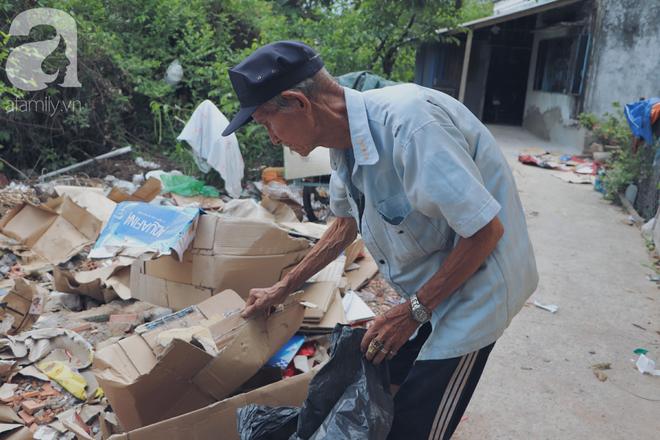 Chuyện tình sâu đậm của ông cụ 85 tuổi, hàng ngày đi lượm ve chai, bán vé dò nuôi vợ liệt giường - Ảnh 4.