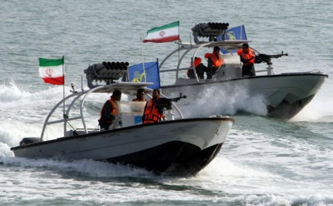 Tàu cao tốc + Thủy lôi: Chiến thuật đánh du kích của Iran khiến Mỹ phải lạnh gáy