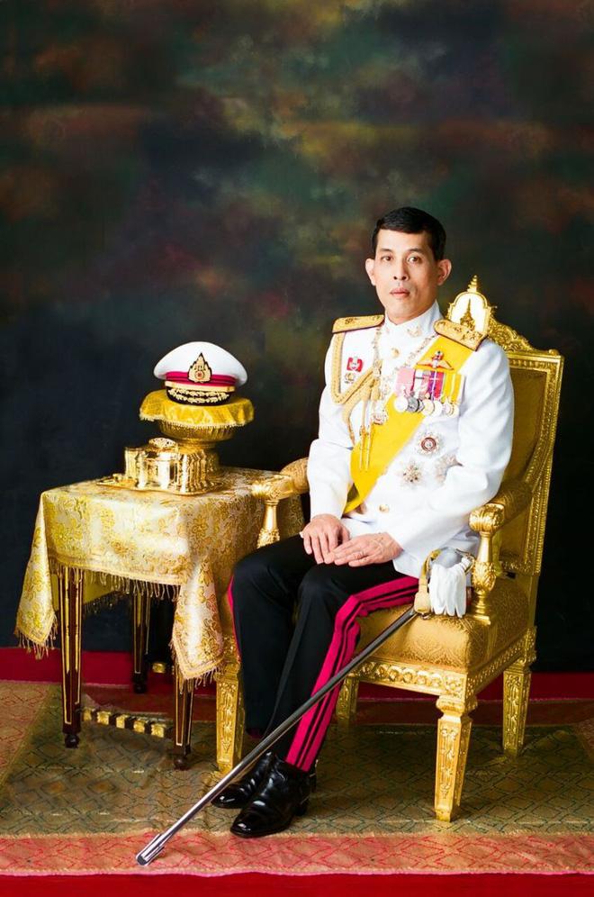 Rama X: Vị vua cứng rắn sẽ thay đổi lịch sử Thái Lan? - Ảnh 7.