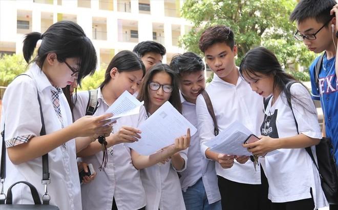 Để các trường ĐH chấm thi THPT Quốc gia: Có hạn chế được tiêu cực?