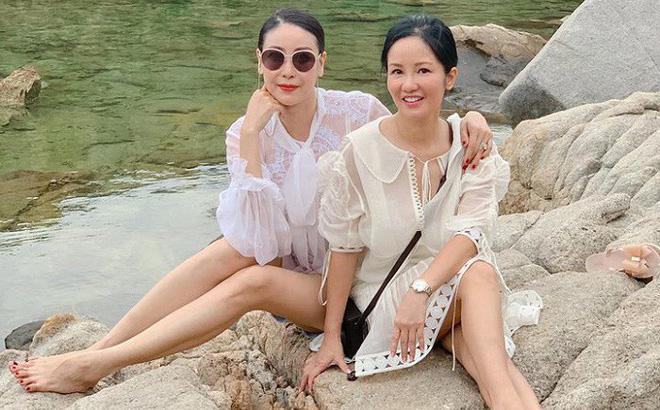 Tình bạn bền bỉ và đáng ngưỡng mộ của Hồng Nhung - Hà Kiều Anh