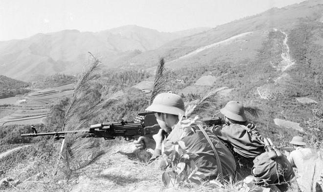 [Photo] Quân đội Việt Nam trong sự nghiệp giải phóng dân tộc - Ảnh 12.