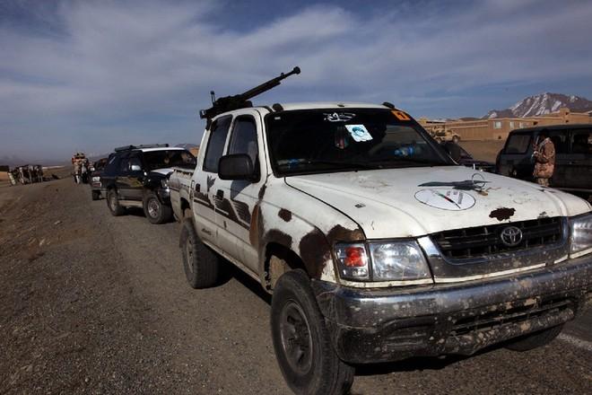 Bất ngờ lớn khi đặc nhiệm Nga cũng tin dùng chiến xa bán tải Toyota Hilux - Ảnh 12.