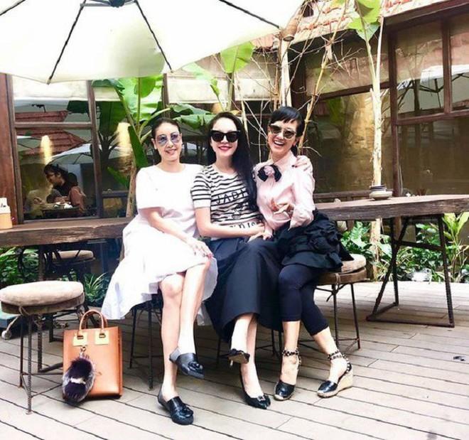 Tình bạn bền bỉ và đáng ngưỡng mộ của Hồng Nhung - Hà Kiều Anh - Ảnh 5.