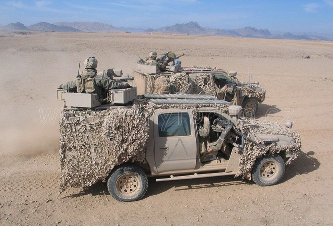 Bất ngờ lớn khi đặc nhiệm Nga cũng tin dùng chiến xa bán tải Toyota Hilux - Ảnh 6.