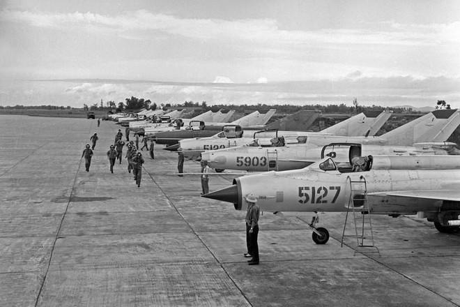 [Photo] Quân đội Việt Nam trong sự nghiệp giải phóng dân tộc - Ảnh 8.