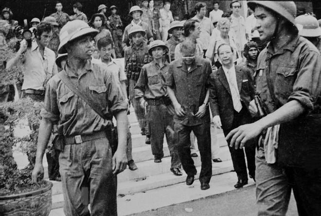 [Photo] Quân đội Việt Nam trong sự nghiệp giải phóng dân tộc - Ảnh 9.