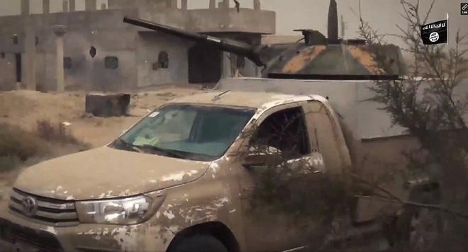 Bất ngờ lớn khi đặc nhiệm Nga cũng tin dùng chiến xa bán tải Toyota Hilux - Ảnh 9.