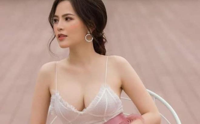 """Hot girl mì gõ Phi Huyền Trang lên tiếng về vụ lộ clip """"nóng"""""""