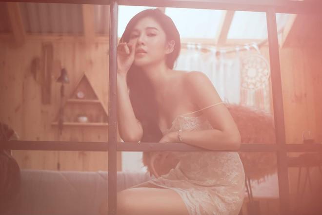 Cô gái bị bắt cóc trong Mê cung: Hóa ra cực sexy, gây sốt khi xuất hiện cùng HLV Park Hang Seo - Ảnh 6.