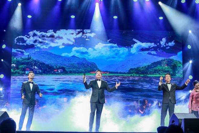 Vợ chồng Lê Anh Dũng - Lê Trinh hát tình tứ trong đêm nhạc của Lê Xuân Bắc - Ảnh 1.
