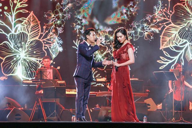 Vợ chồng Lê Anh Dũng - Lê Trinh hát tình tứ trong đêm nhạc của Lê Xuân Bắc - Ảnh 2.