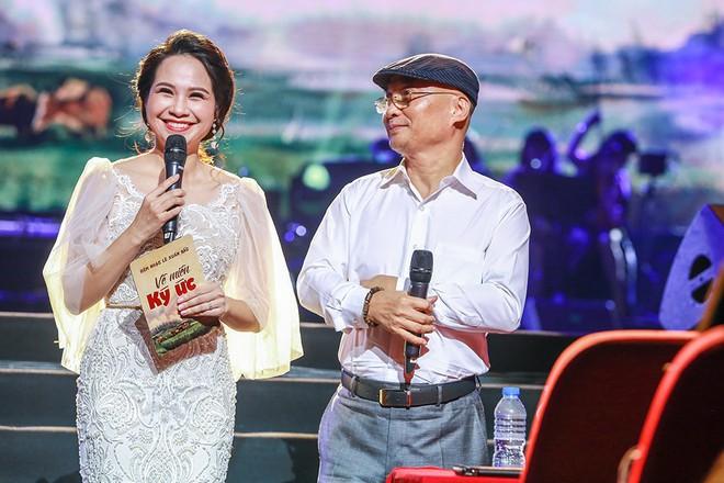 Vợ chồng Lê Anh Dũng - Lê Trinh hát tình tứ trong đêm nhạc của Lê Xuân Bắc - Ảnh 3.