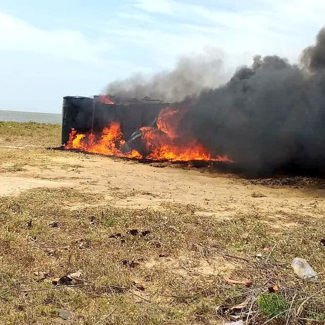 Gần 19.000 lít xăng bị phát hiện, tiêu hủy ở Venezuela có giá chưa tới... 5 triệu VNĐ - Ảnh 3.