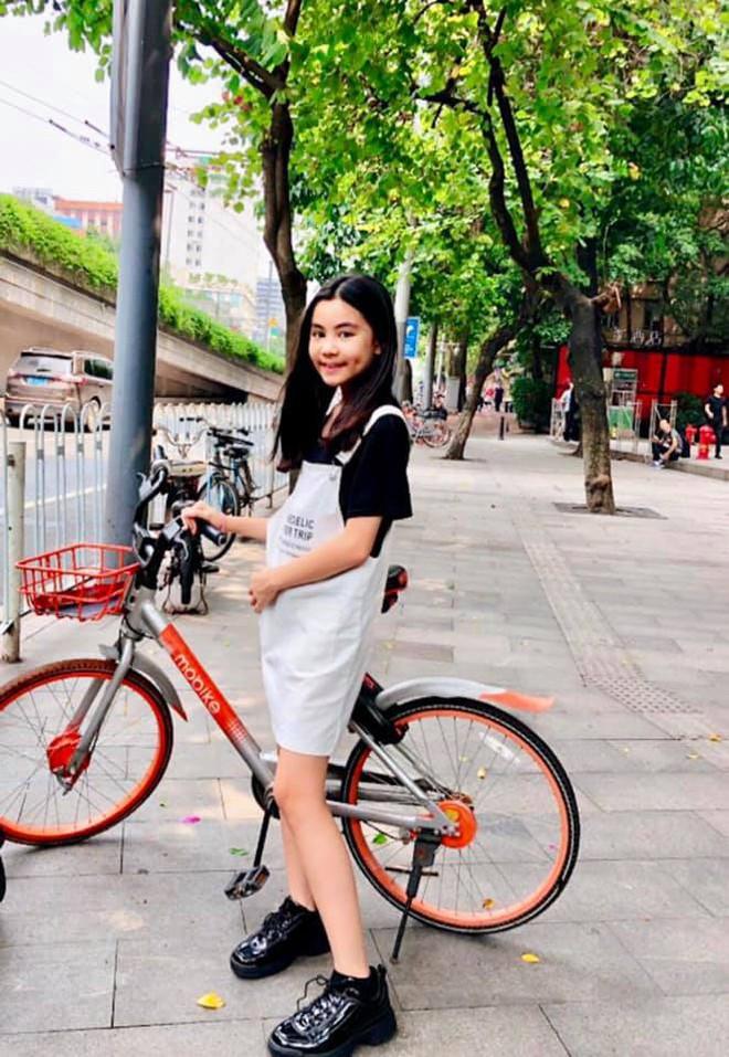 Bà xã Quyền Linh chia sẻ ảnh đi du lịch của gia đình, dân tình phát hiện ra tận 2 điều thú vị - Ảnh 12.