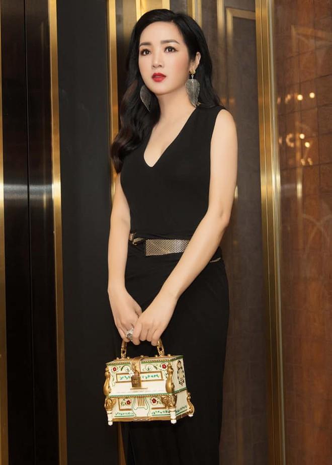 Nhan sắc nóng bỏng, bất chấp tuổi tác của Hoa hậu Giáng My - Ảnh 13.