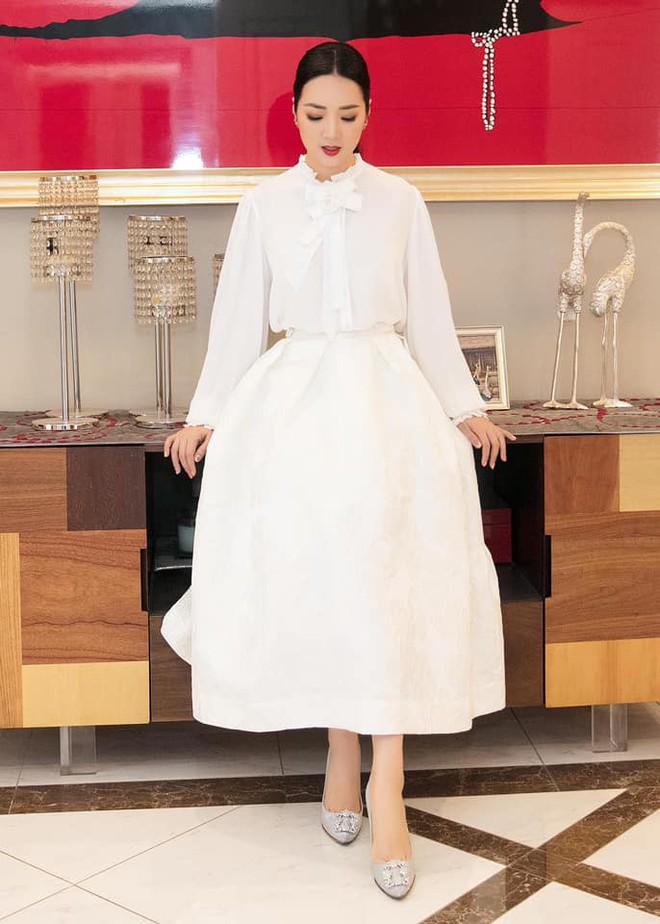 Nhan sắc nóng bỏng, bất chấp tuổi tác của Hoa hậu Giáng My - Ảnh 5.