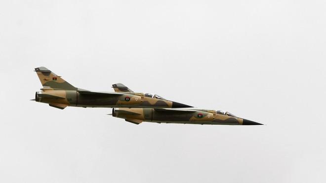 Chiến sự Libya - LNA bắn hạ 1 chiến đấu cơ Mirage-F1 do Pháp sản xuất, bắt sống phi công Bồ Đào Nha - Ảnh 2.