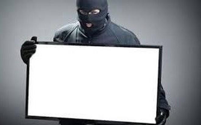 Hy hữu: Thẩm phán tòa án bị thư ký trộm laptop