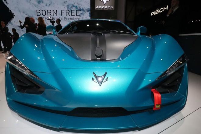 Clip: Cận cảnh siêu xe chạy bằng điện của Trung Quốc mạnh ngang ngửa Bugatti Chiron - Ảnh 3.