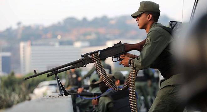 Chuyên gia: Nếu ám sát TT Maduro là việc quá khó, Mỹ sẽ ám sát... ông Guaido? - Ảnh 2.