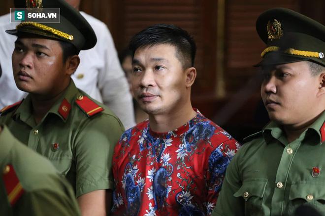 Ông trùm Văn Kính Dương khai buôn quần áo, cho vay nặng lãi để có tiền sản xuất ma túy - Ảnh 1.