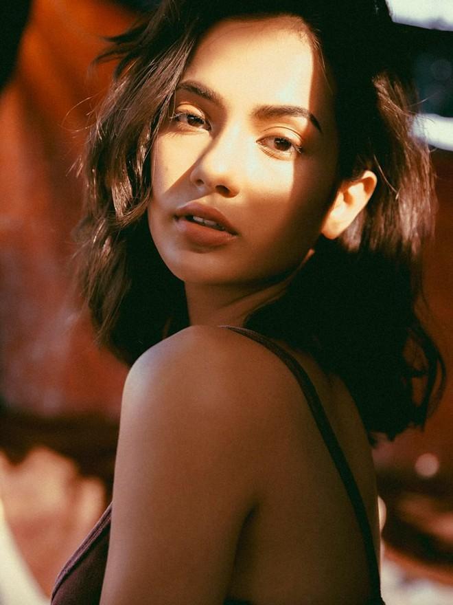 Hội con lai đang hot nhất trên MXH: Toàn là gương mặt nổi bật trong vũ trụ hot girl, có người sinh 2002 đã cực kỳ nóng bỏng - Ảnh 5.