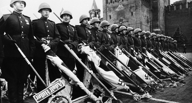 Nhìn lại lịch sử Ngày Chiến Thắng: Nga khẳng định vị trí xuất khẩu vũ khí thay Liên Xô - Ảnh 1.