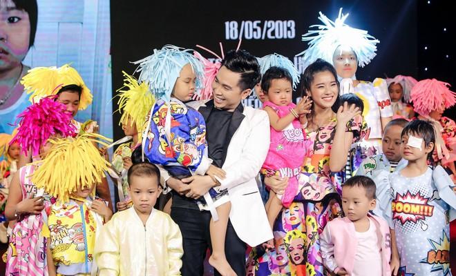 Trương Ngọc Ánh, Đông Nhi, Hoàng Yến Chibi cổ vũ tinh thần cho trẻ em bị ung thư - Ảnh 1.