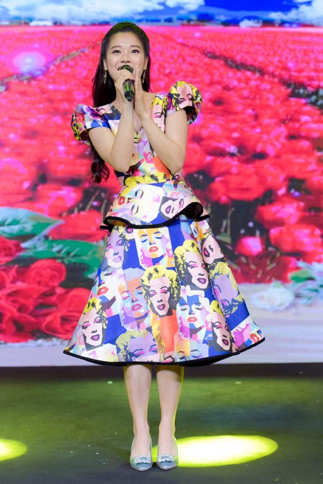 Trương Ngọc Ánh, Đông Nhi, Hoàng Yến Chibi cổ vũ tinh thần cho trẻ em bị ung thư - Ảnh 10.