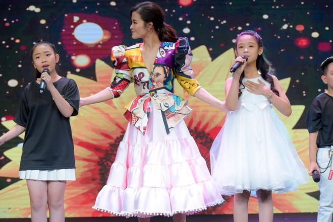 Trương Ngọc Ánh, Đông Nhi, Hoàng Yến Chibi cổ vũ tinh thần cho trẻ em bị ung thư - Ảnh 8.