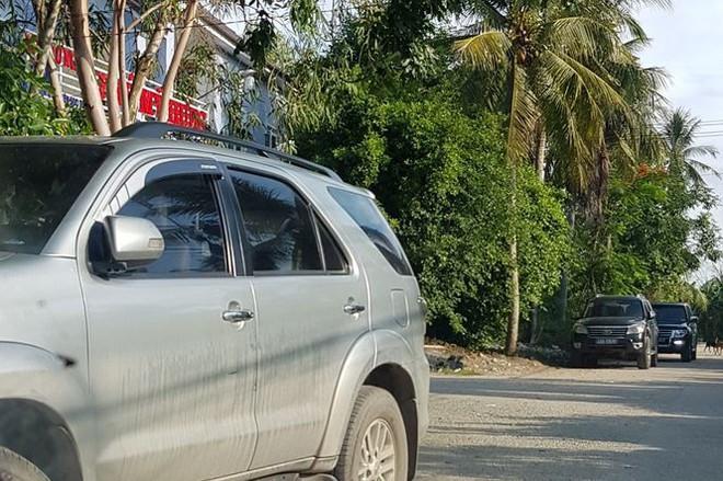 Cảnh sát khám xét kho xăng dầu của đại gia Trịnh Sướng - Ảnh 2.