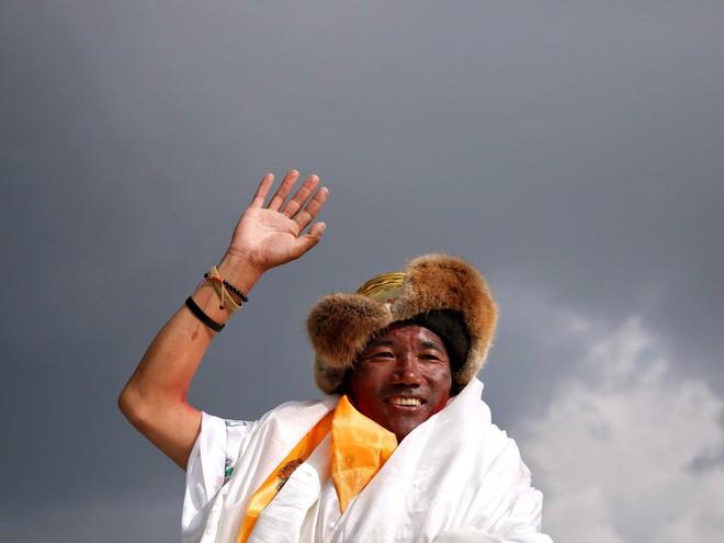 10 sự thực nhiều người chưa biết về hành trình chinh phục Everest: Siêu tốn kém, chuẩn bị không kỹ thì chỉ bỏ mạng - Ảnh 7.
