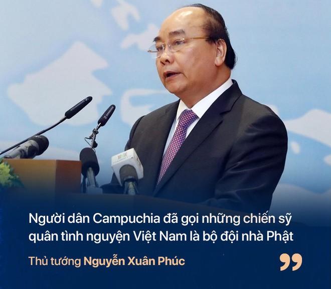 Chiến tranh biên giới Tây Nam: Khmer Đỏ thì lùa dân vào rừng bỏ đói, bộ đội Việt Nam giải cứu dân rồi cho ăn uống - Ảnh 9.