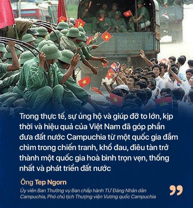 Chiến tranh biên giới Tây Nam: Khmer Đỏ thì lùa dân vào rừng bỏ đói, bộ đội Việt Nam giải cứu dân rồi cho ăn uống - Ảnh 7.