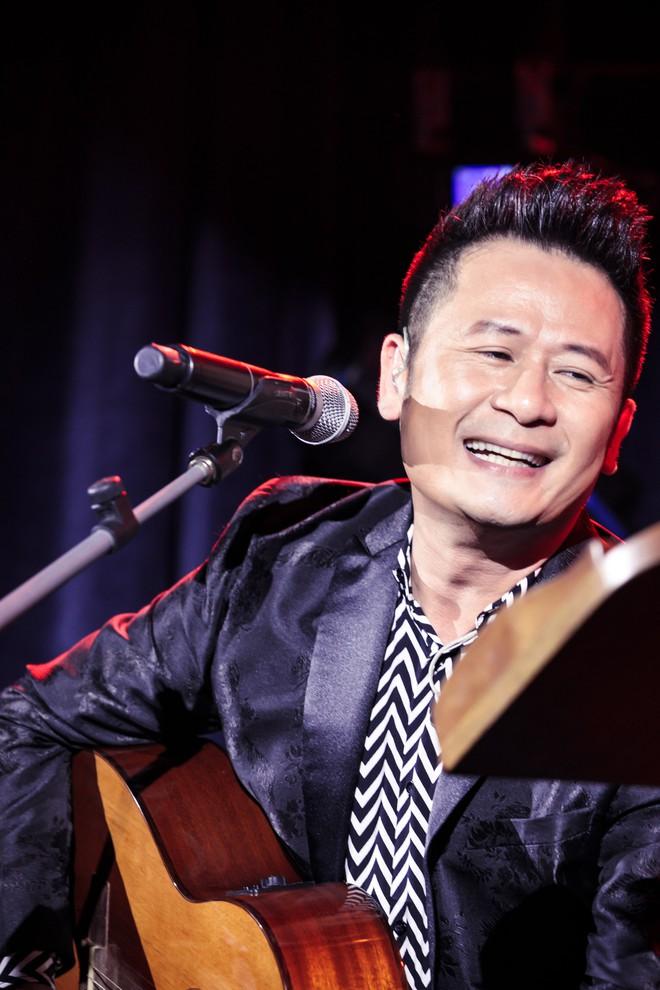 Gần 30 năm đi hát, Bằng Kiều thừa nhận: Tôi vẫn run khi đứng trên sân khấu kiểu này - Ảnh 3.
