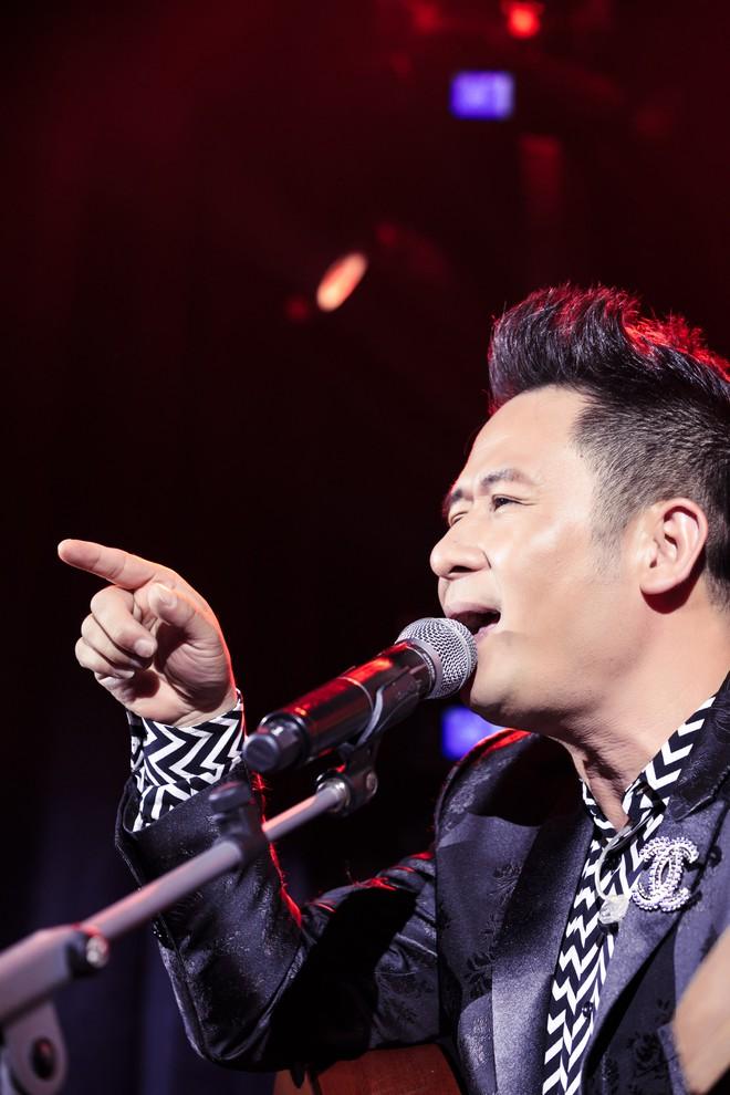 Gần 30 năm đi hát, Bằng Kiều thừa nhận: Tôi vẫn run khi đứng trên sân khấu kiểu này - Ảnh 5.