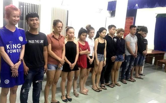 """Bắt nhóm giả gái mại dâm dàn cảnh trộm hơn 1 tỷ đồng của khách """"mua vui"""" ở Sài Gòn"""