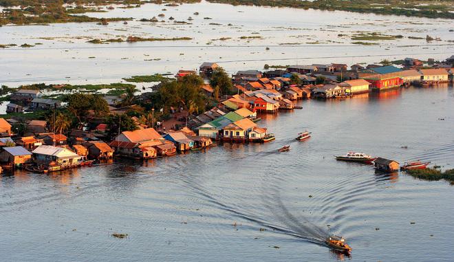 Chiến trường K: Lính tình nguyện Việt Nam chốt ở Biển Hồ - Vừa đánh Polpot vừa bắt cá - Ảnh 3.