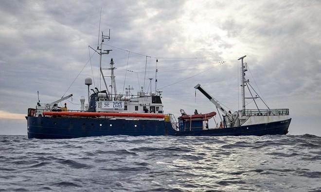 LHQ cảnh báo Địa Trung Hải sẽ sớm thành biển máu - Ảnh 1.
